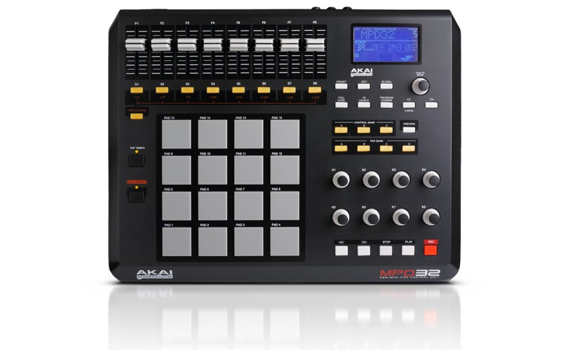 http://stagefield.eu/wp-content/plugins/hot-linked-image-cacher/upload/audiostacja.pl/images/big/AKAI/mpd32_top_800px.jpg